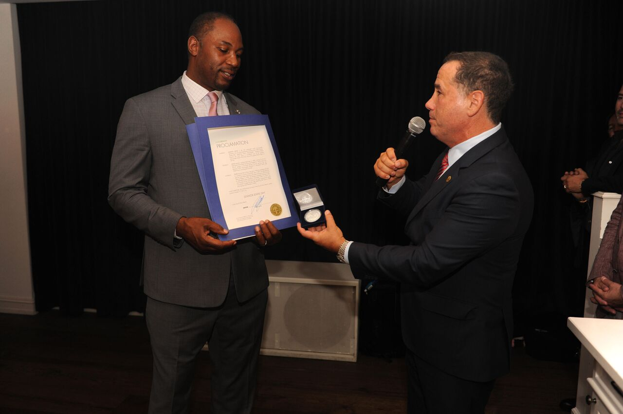 Lennox Lewis receiving the Key to the City from Mayor Philip Levine